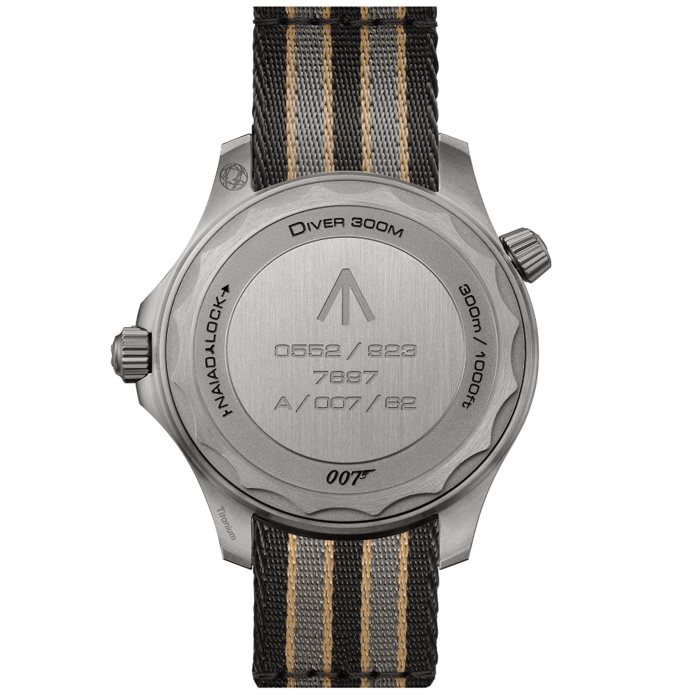 OMEGA Seamaster Diver 300M - 007 Edition - 210.92.42.20.01.001